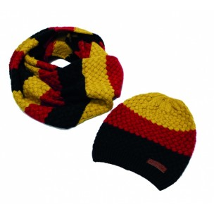 http://www.horseandrider.co.uk/1166-2783-thickbox/horseware-sunflower-knitted-hat-snood-set.jpg